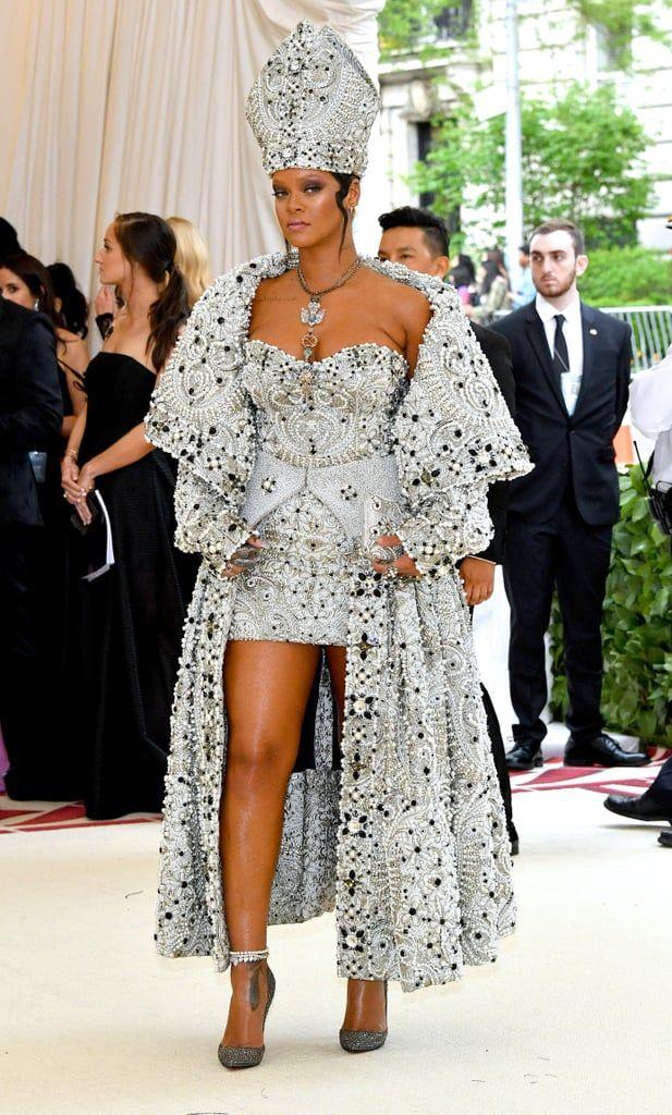 Neuveriteľne sexi Rihanna v najlepších outfitoch tohoto roka!